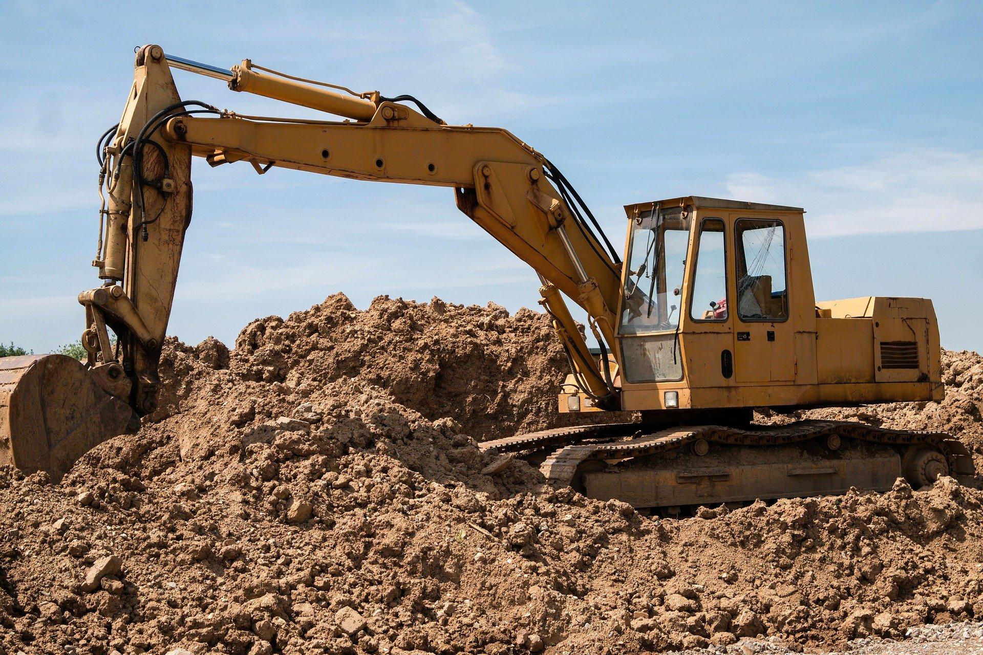 excavators-800996_1920